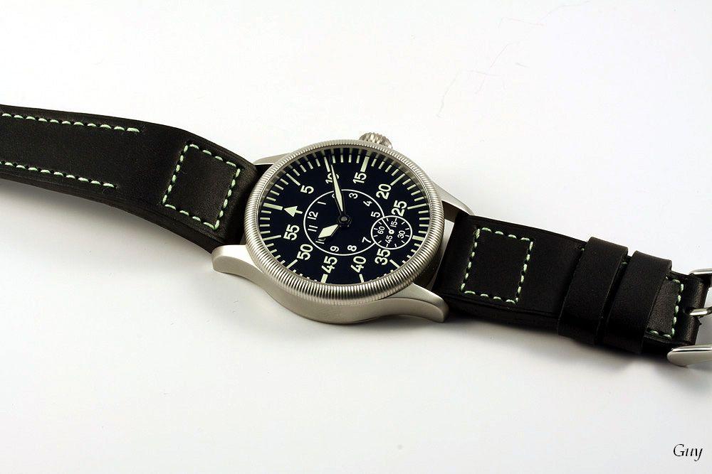 Bracelet Flieger buffle noir coutures tritium